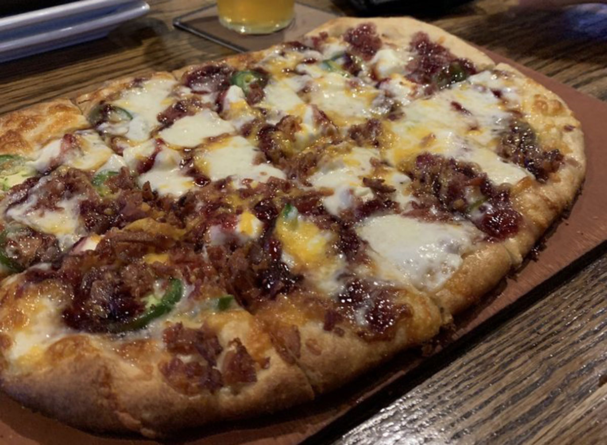 independent ale house jalapeno popper pizza
