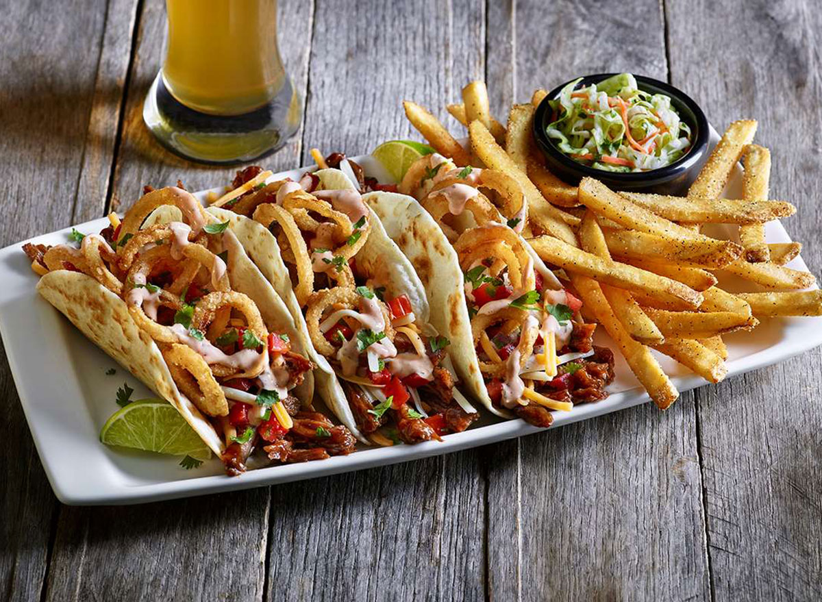 applebees bbq brisket tacos on white plate