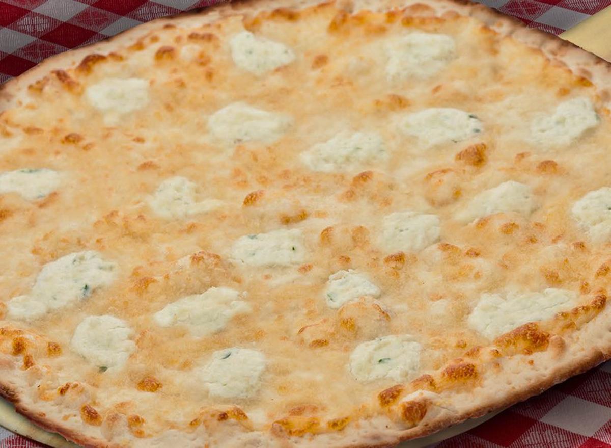 buca di beppo bianca pizza