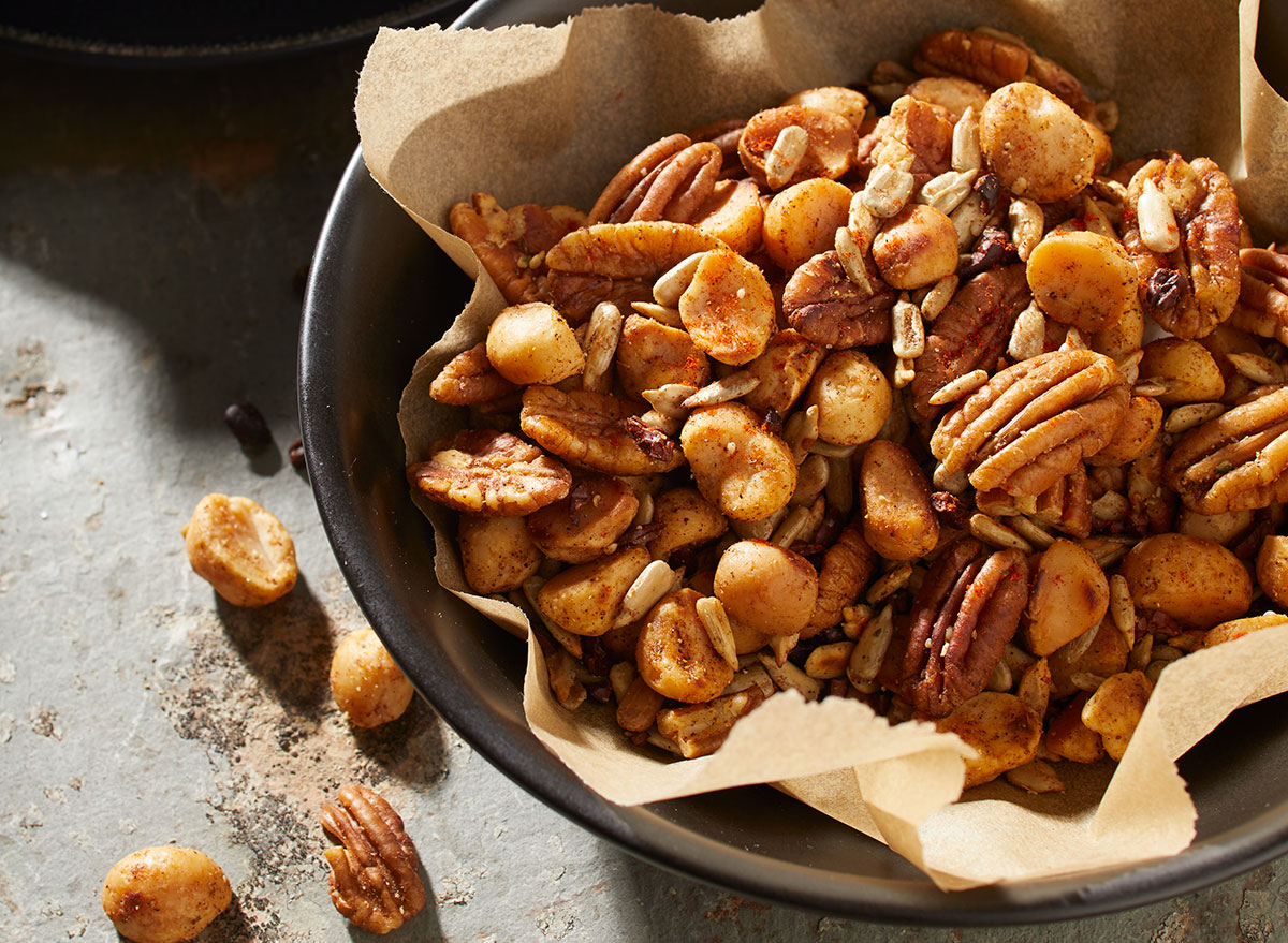 keto macadamia nut trail mix
