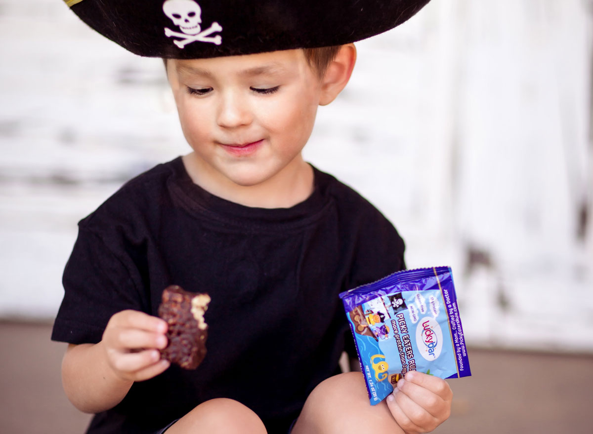 Luckybar is for picky eaters fits easily in kids hands
