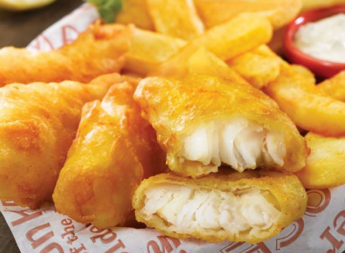 red robin arctic cod fish and chips basket