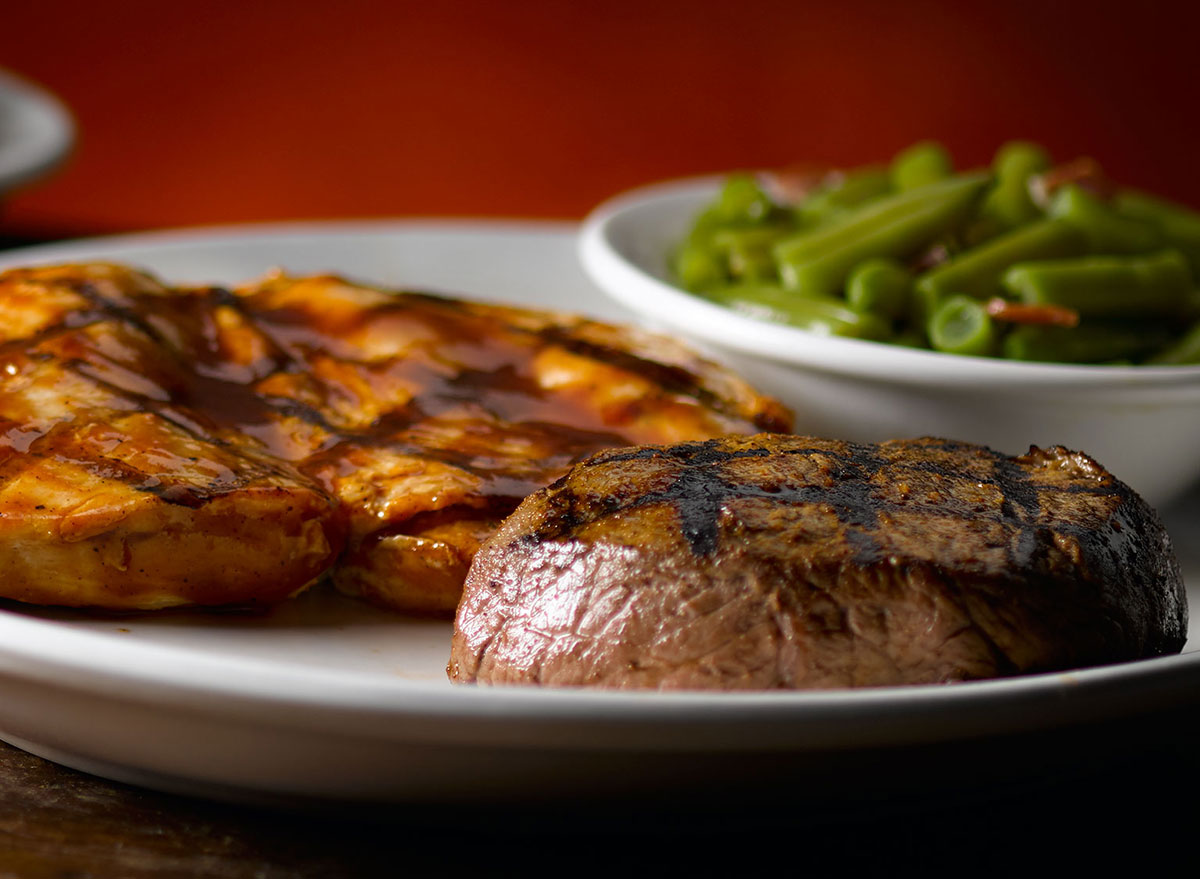 texas roadhouse grilled bbq chicken 6oz sirloin