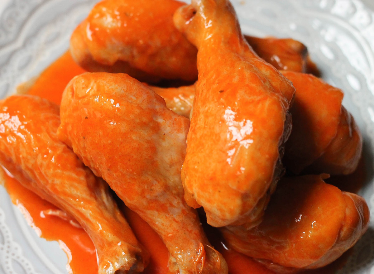 Healthy and crispy buffalo chicken on a plate