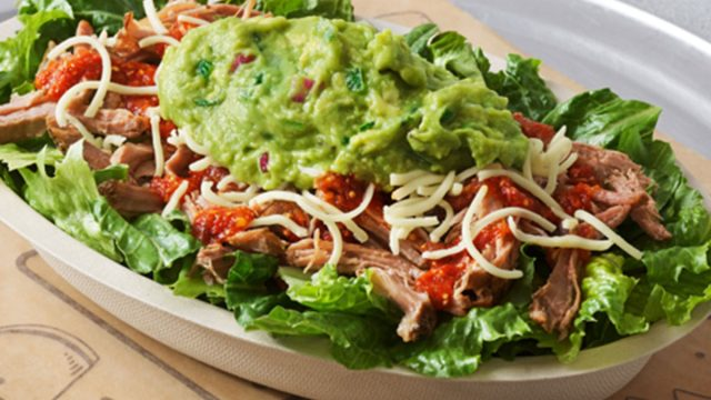 carnitas salad chipotle