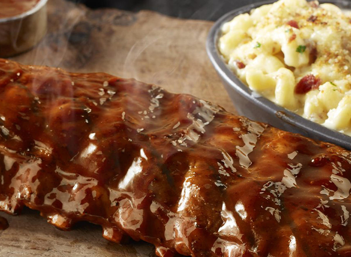 longhorn steakhouse ribs with mac and cheese