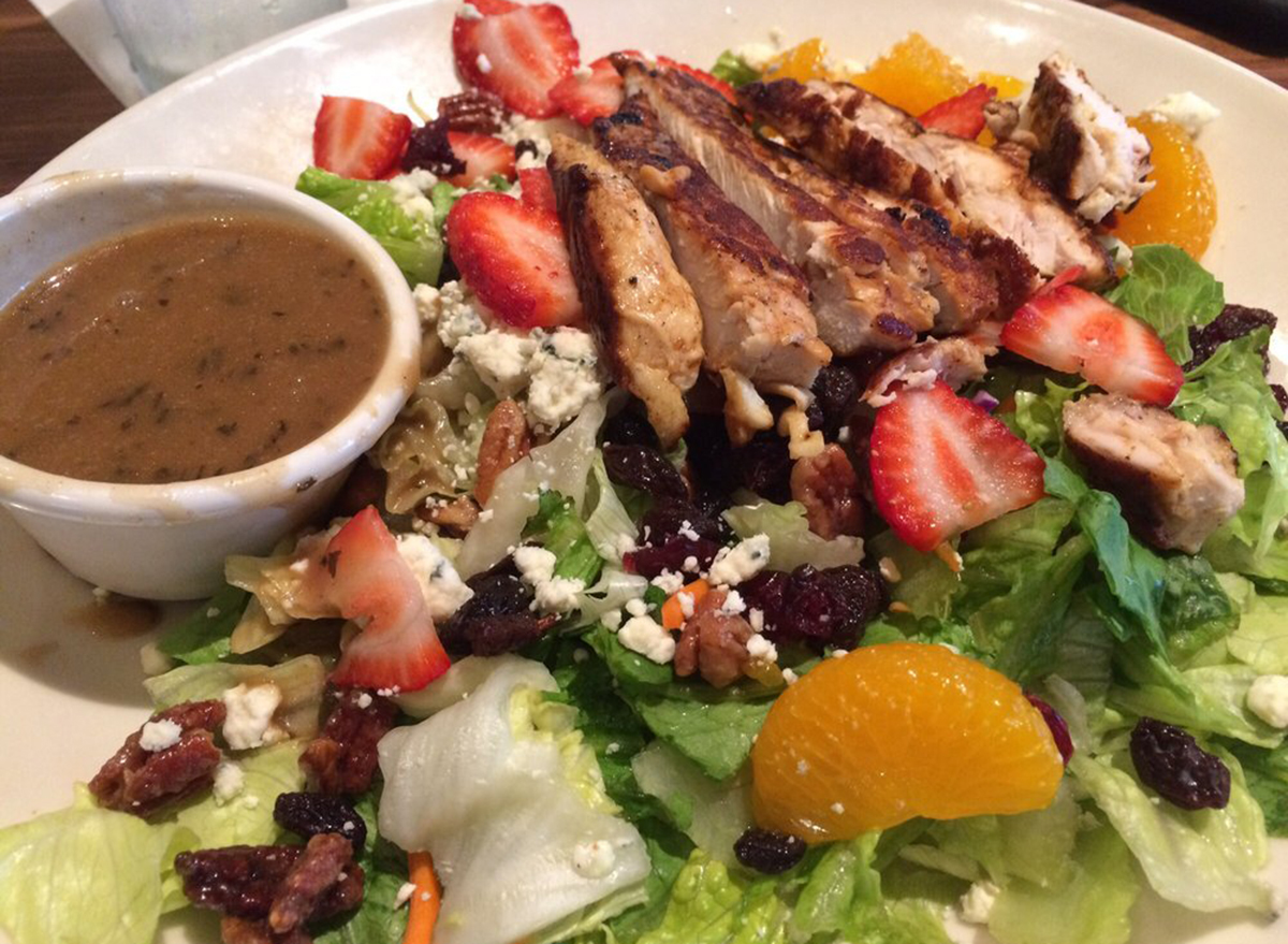 ocharleys california chicken salad with balsamic dressing