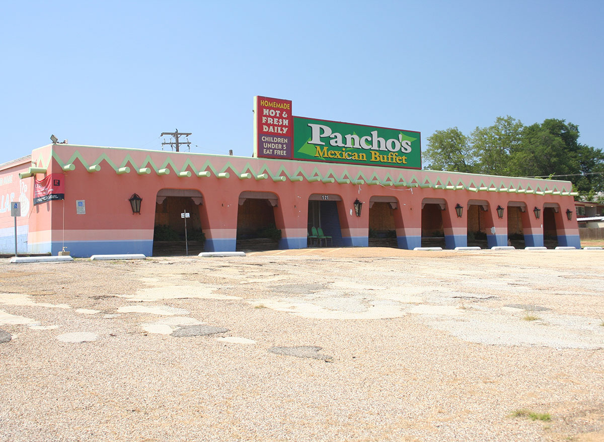 panchos mexican buffet abandoned building