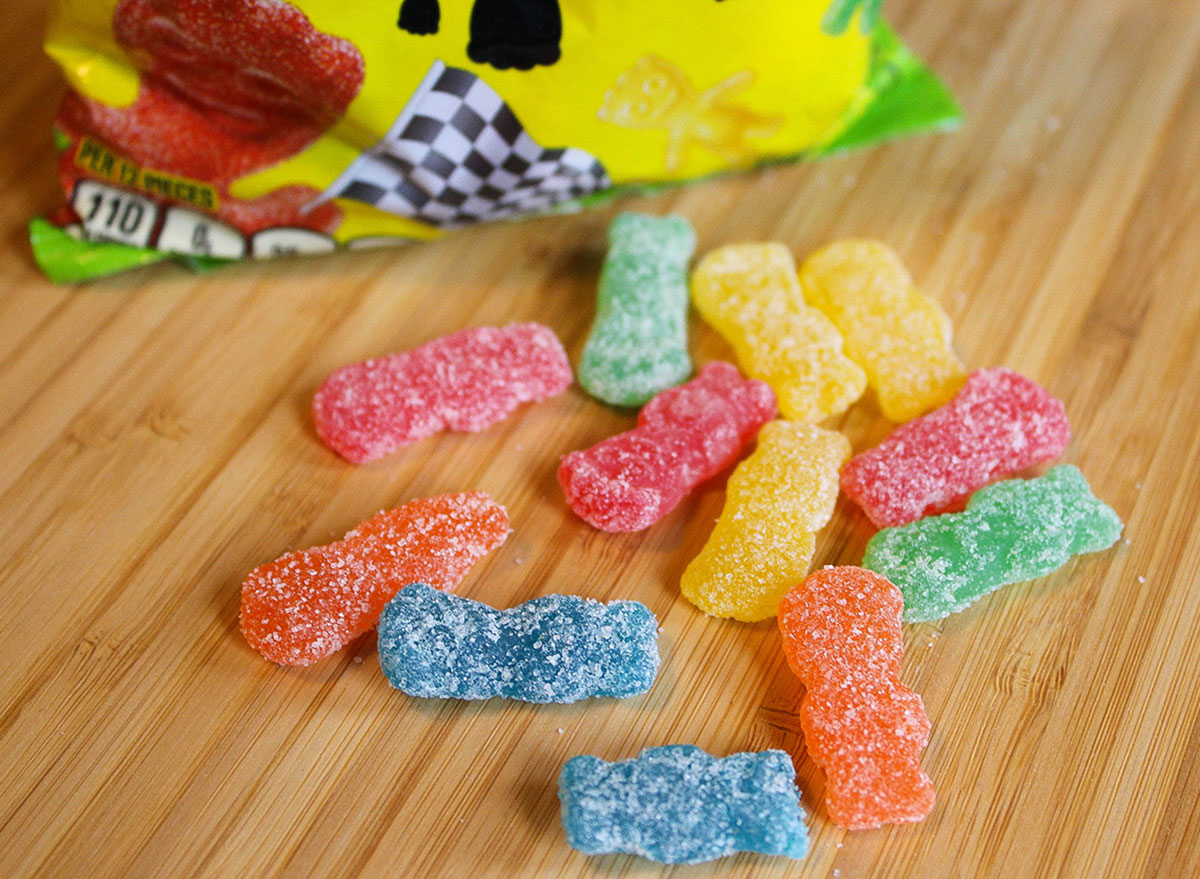 sour patch kids halloween candy 100 calories