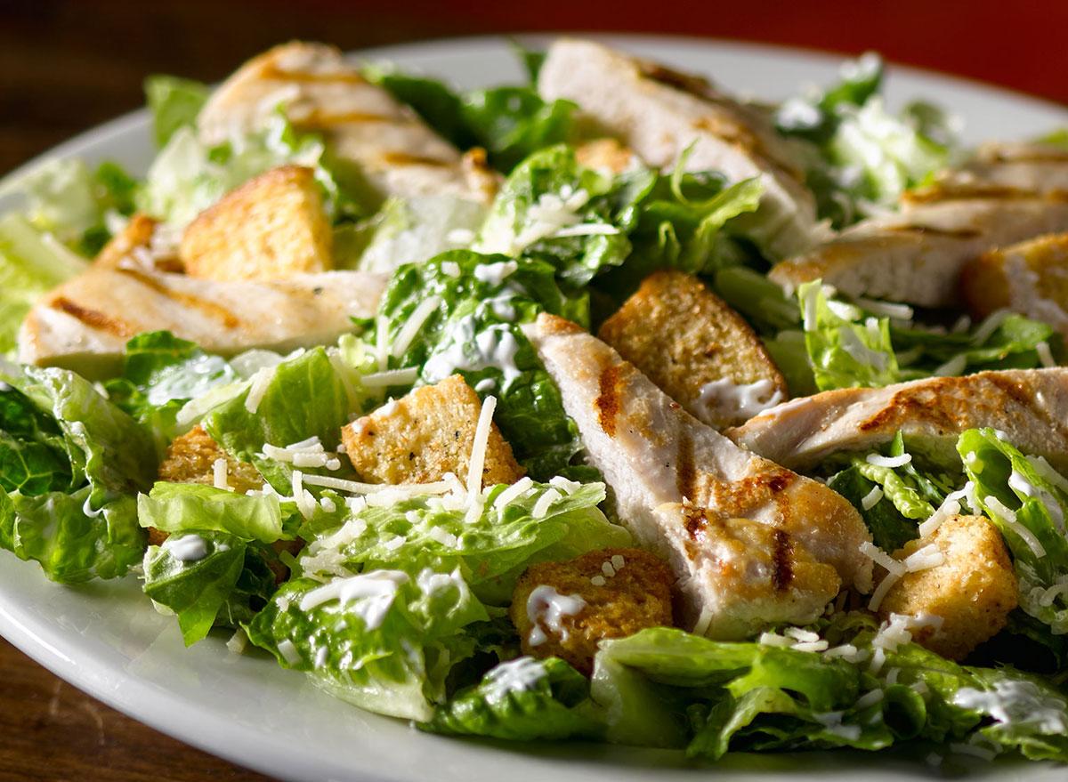 texas roadhouse chicken caesar salad