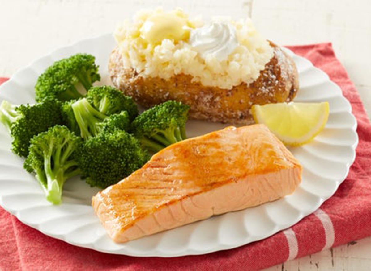 bob evans grilled salmon filet