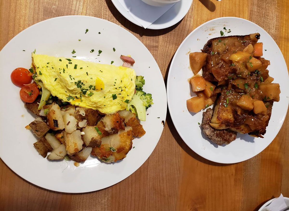 eggs and hash from the dizzy hen oregon