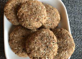 keto oatmeal cookies in bowl