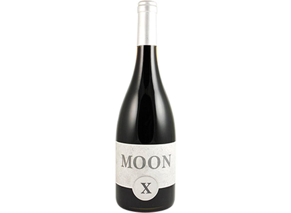 moonx pinor noir in bottle