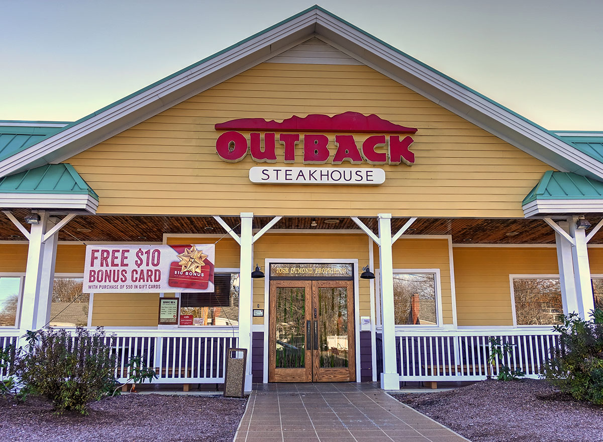 outback steakhouse storefront