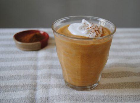 pumpkin pie smoothie in glass