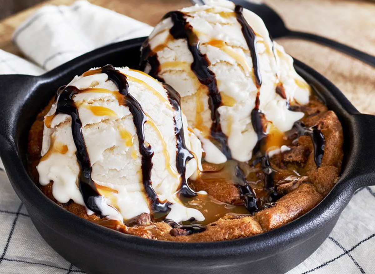 ruby tuesday chocolate chip cookie skillet