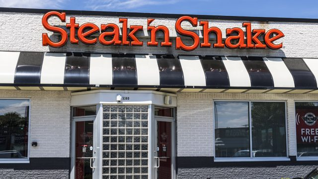 steak-n-shake storefront