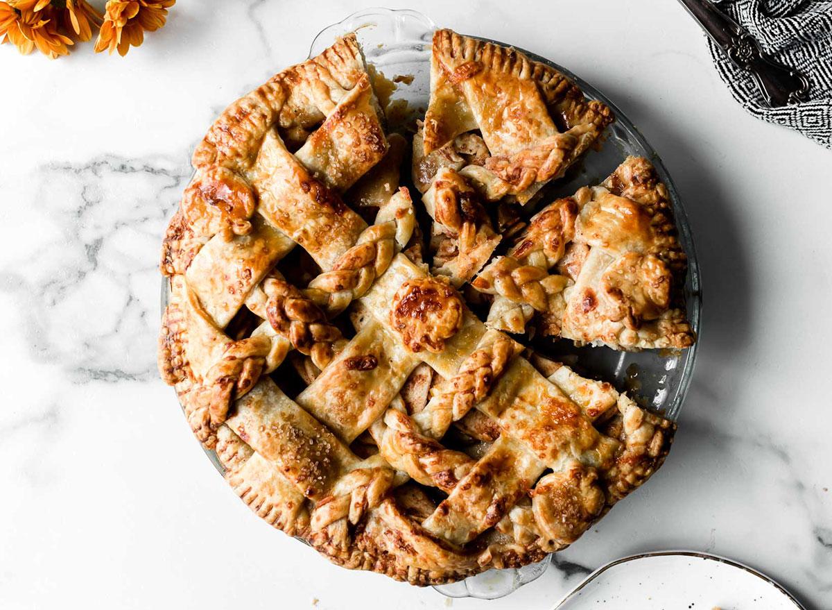 apple cheddar pie with lattice crust