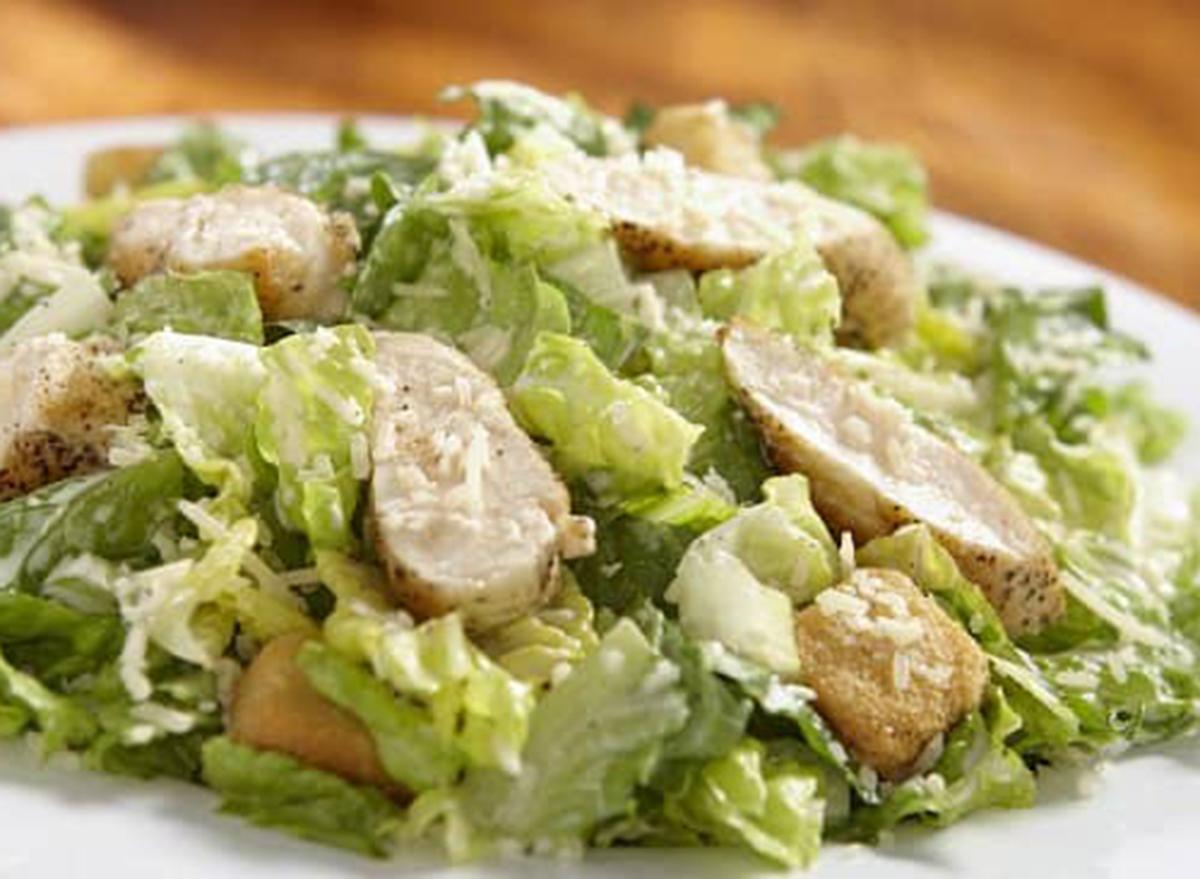 hooters chicken caesar salad