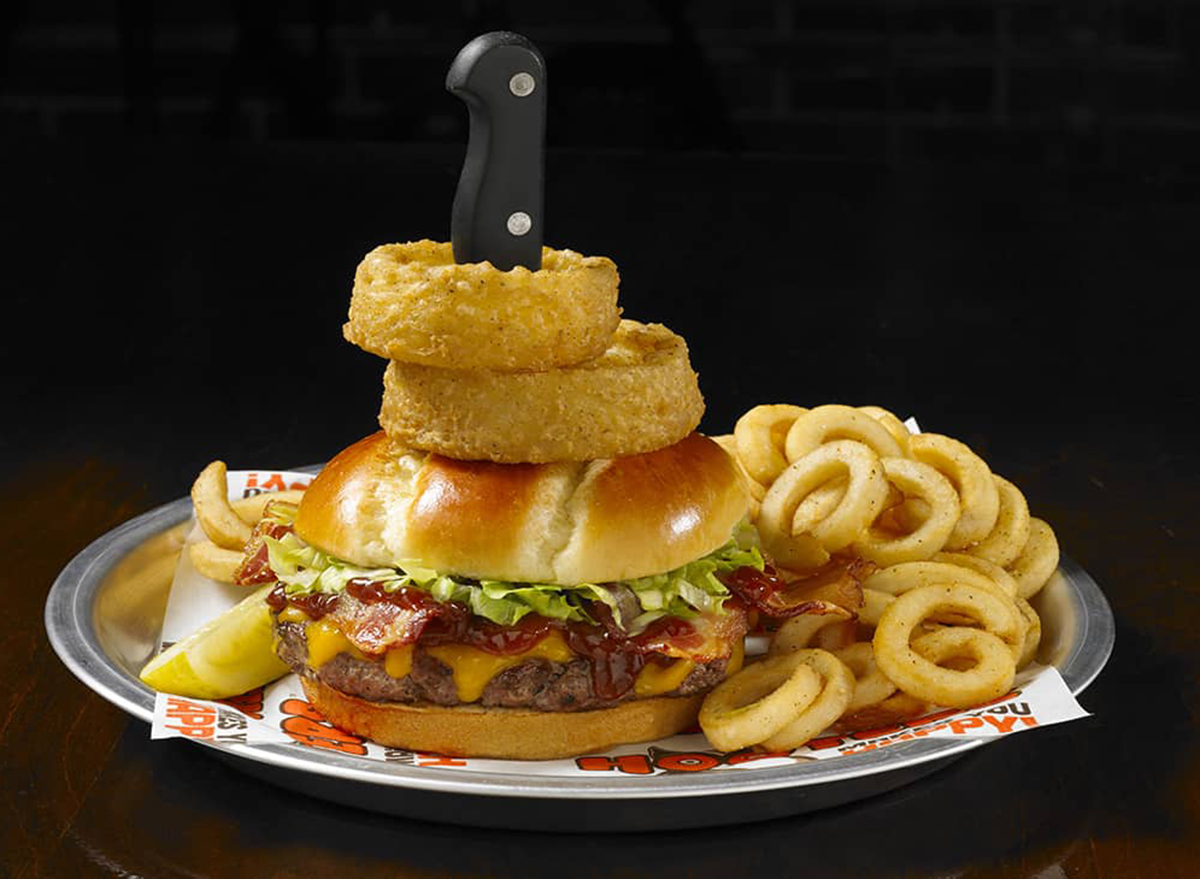 hooters western bbq burger