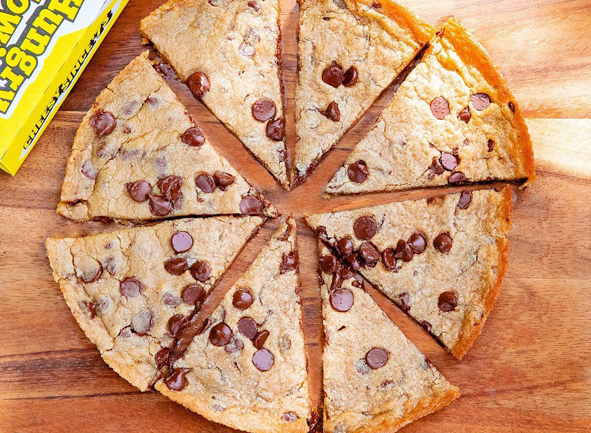 hungry howies chocolate chip cookie