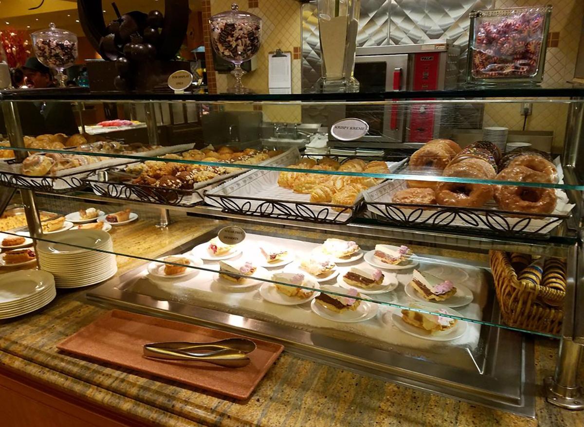 dessert selection at golden nugget buffet in las vegas