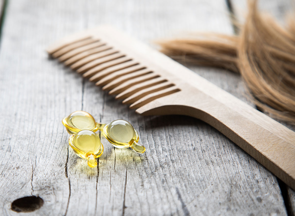 hair supplements with comb