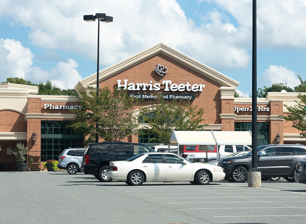 harris teeter store parking lot