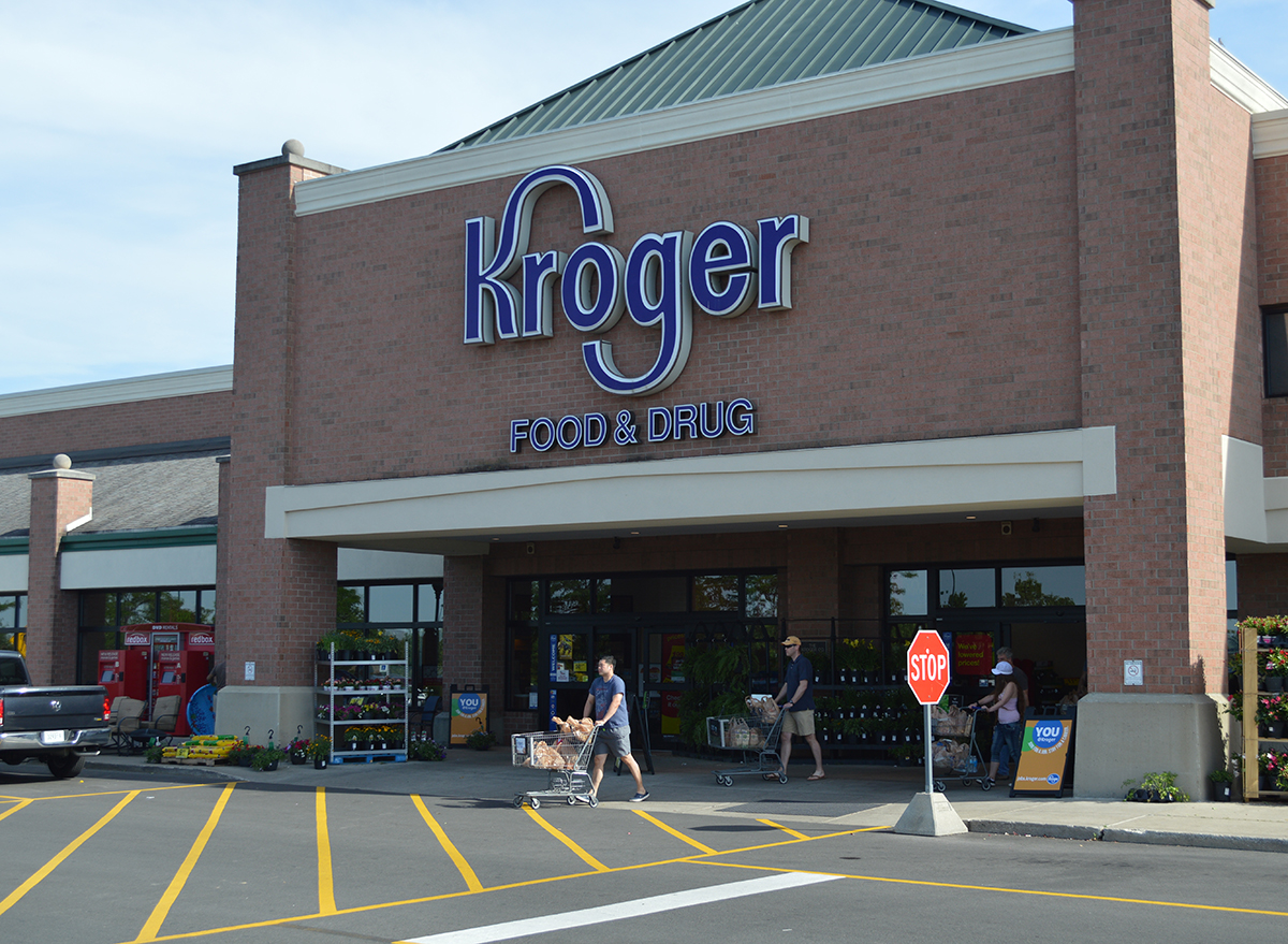kroger store and parking lot