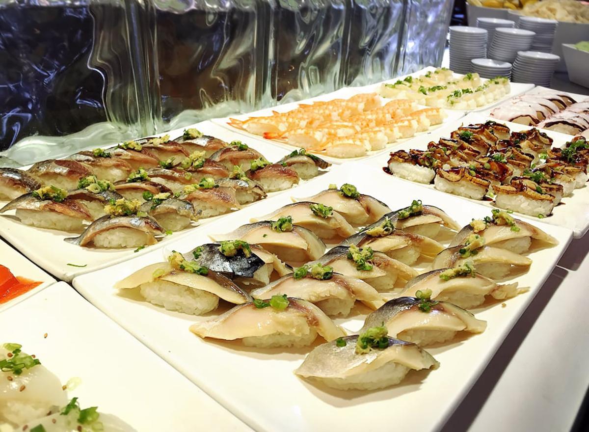 sushi at makino seafood buffet in las vegas