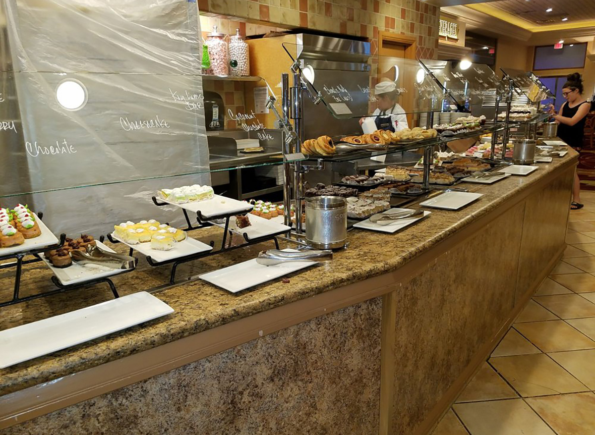 desserts at mgm grand buffet in las vegas