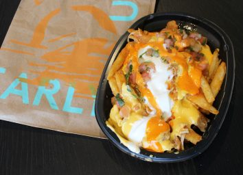 taco bell buffalo chicken nacho fries box wide shot