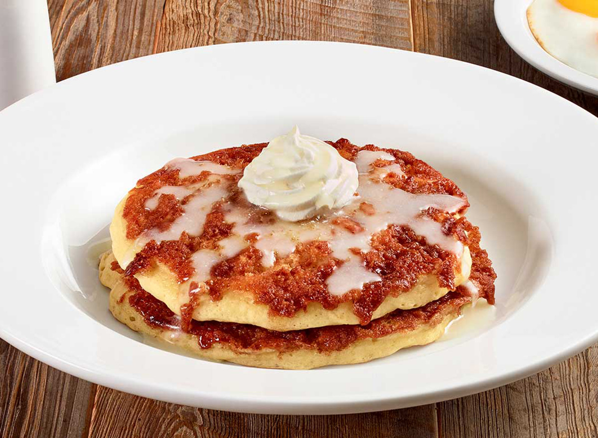 cinnamon roll pancake breakfast at dennys