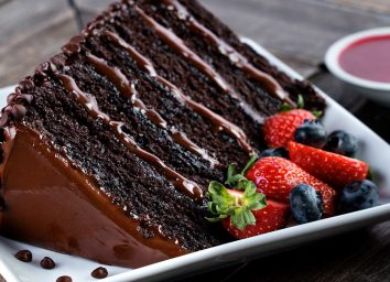 pf changs slice of great wall of chocolate cake with berries