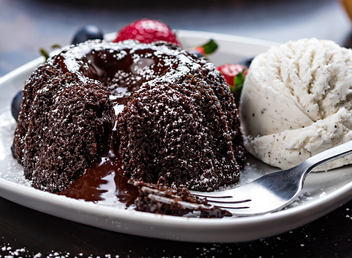 pf changs lava cake with ice cream