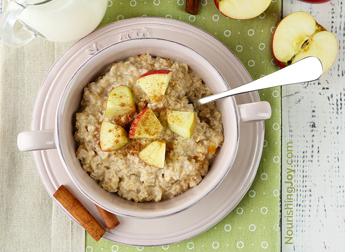 slow cooker apple oatmeal in bowl