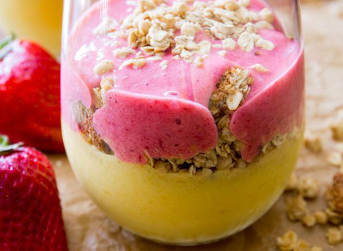 strawberry mango breakfast smoothie