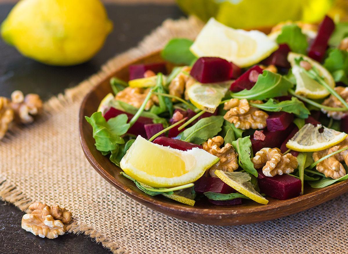 Beet salad with arugula and nuts