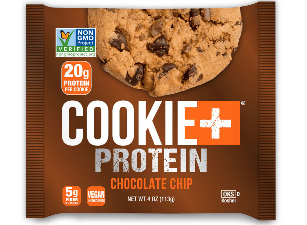 печенье и протеиновый шоколад печенье с чипсами