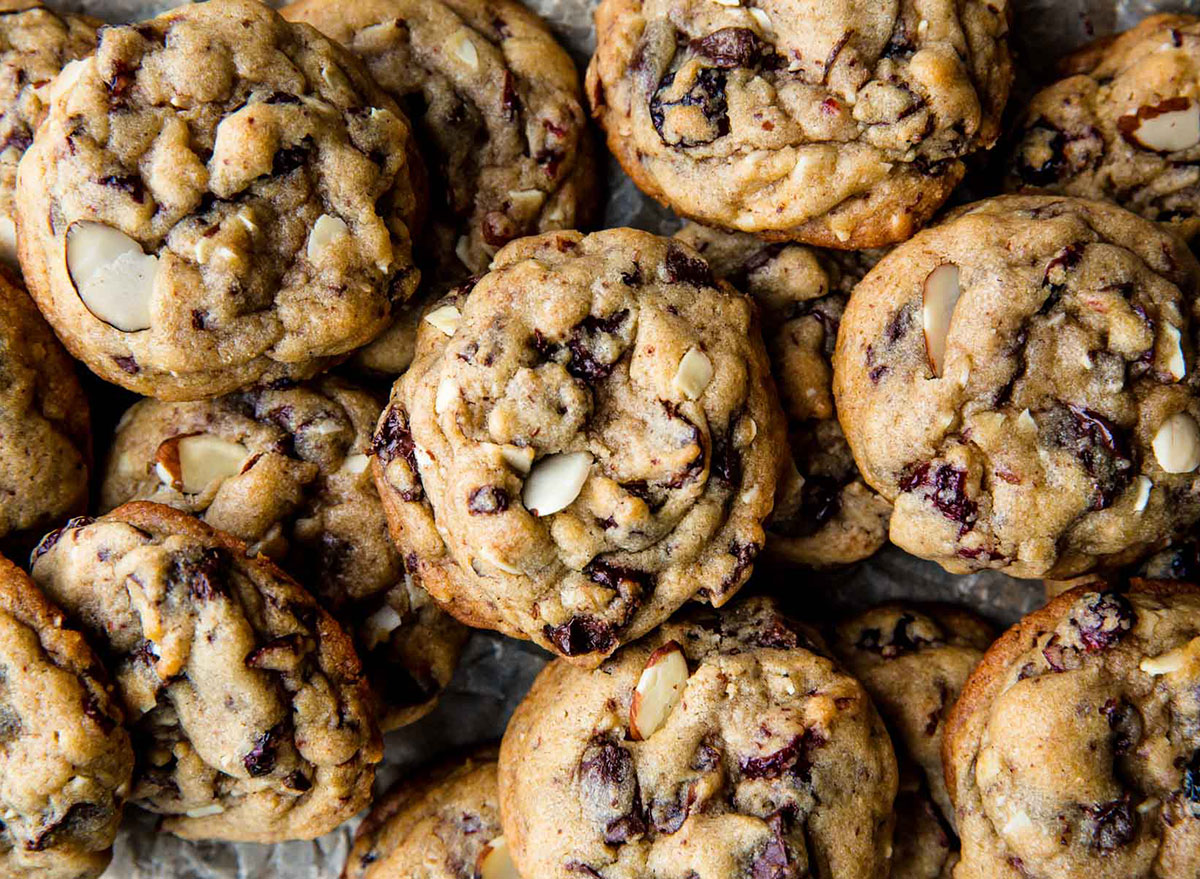 dark chocolate cranberry almond cookies