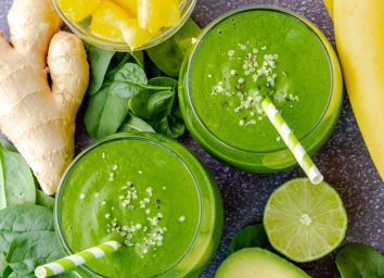 kale ginger spinach lime banana smoothie