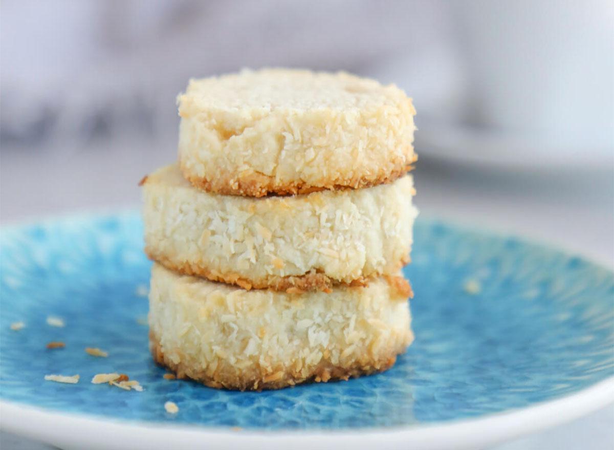 keto coconut shortbread cookies