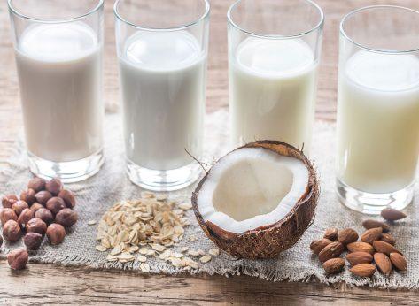 milk alternatives in glasses