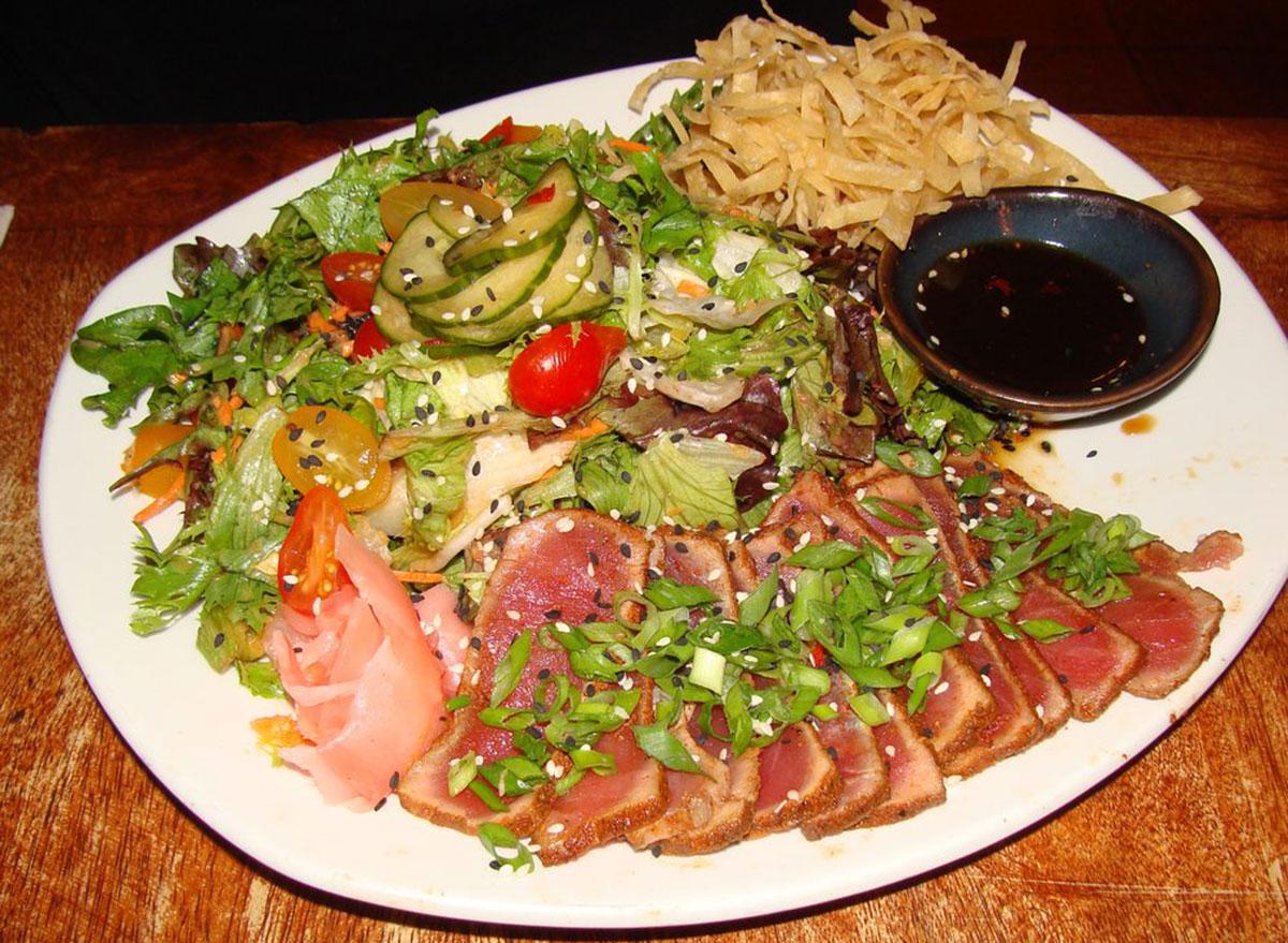 disney world healthy meals seared tuna salad