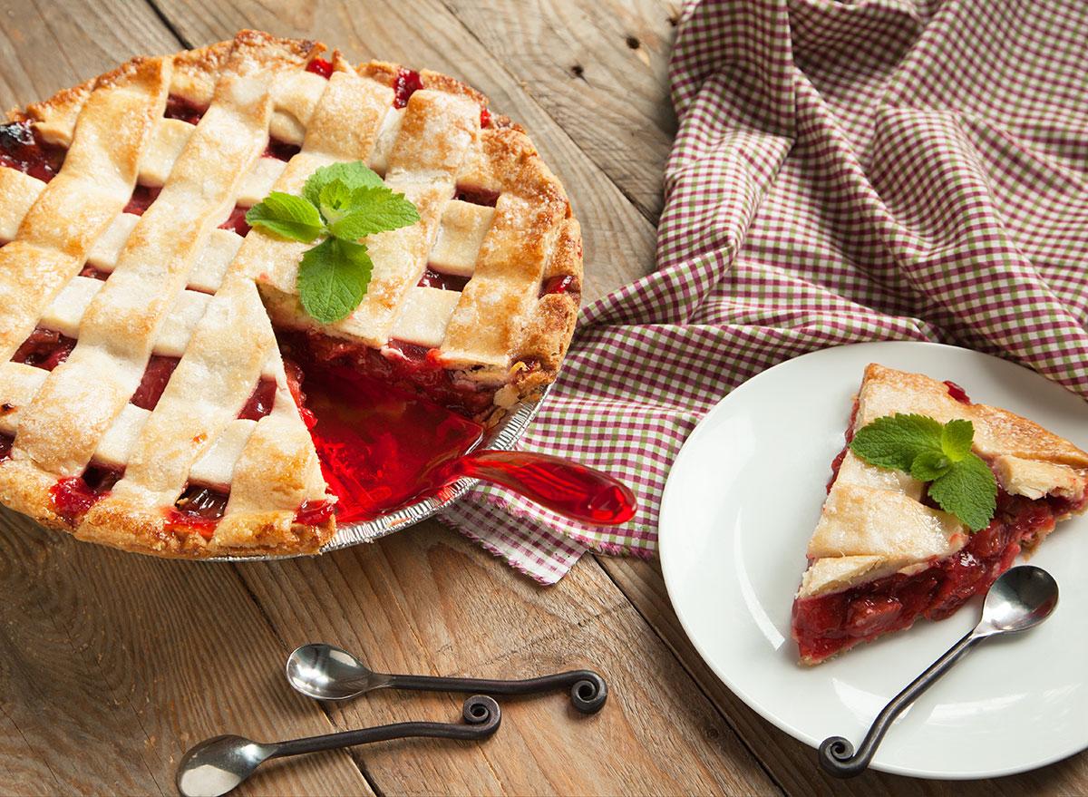 Stawberry rhubarb pie