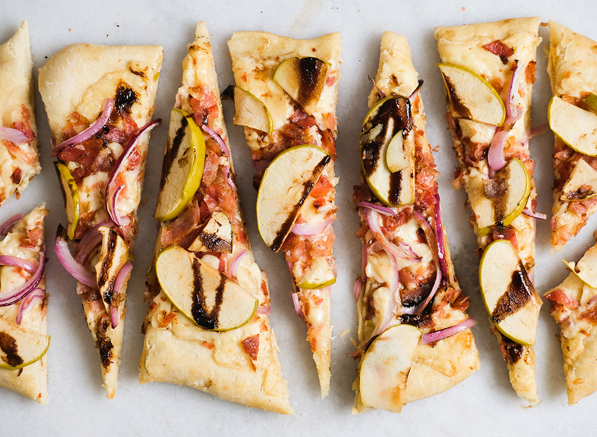 apple balsamic flatbread pizza with trader joes dough