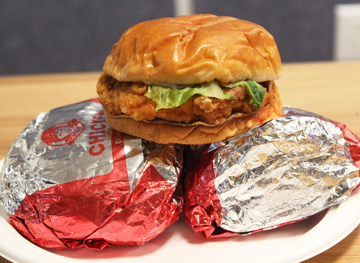 This is the Best Fast Food Chicken Sandwich — Eat This Not That