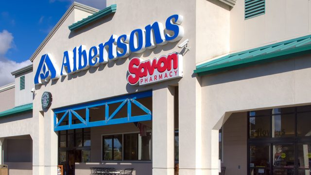 Albertsons store front