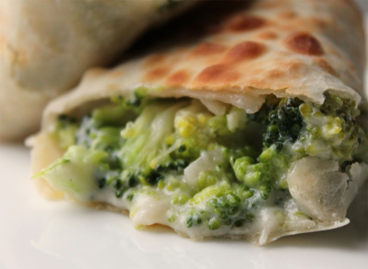 air fryer broccoli cheese egg roll